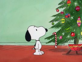 Snoopy_looking_at_the_tree